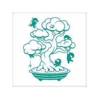 Carimbo Auto Entintado Ninjas minúsculo na árvore dos bonsais