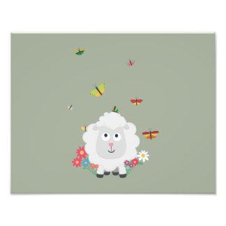 Carneiros com flores e borboletas Z1mk7 Impressão De Foto