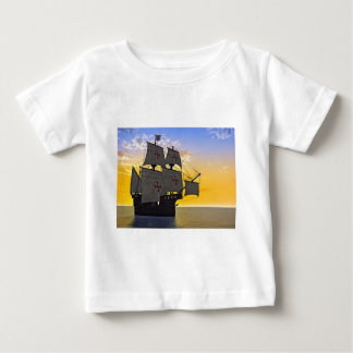 carrack medieval no por do sol camiseta para bebê