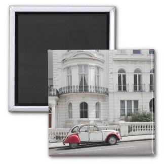 Carro antigo no ímã de Notting Hill: Londres Imã