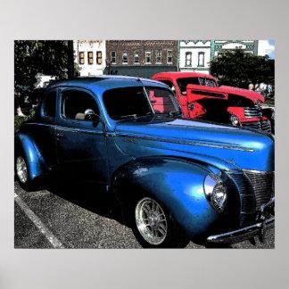 Carro clássico no azul pôsteres