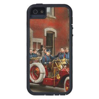Carro de bombeiros - o esquadrão 1911 do vôo capa para iPhone 5