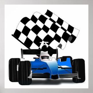 Carro de corridas azul com bandeira Checkered Pôster
