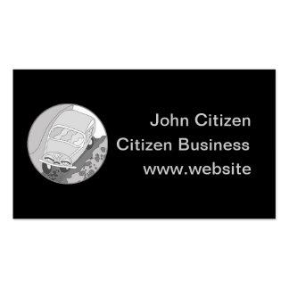 Carro dos desenhos animados na prata no preto modelo de cartões de visita