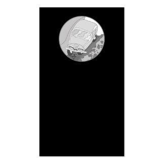Carro dos desenhos animados na prata no preto cartão de visita