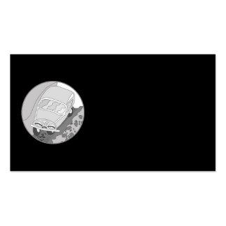 Carro dos desenhos animados na prata no preto