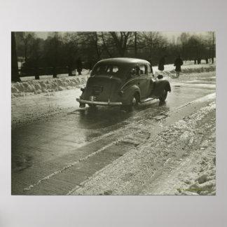 Carro na estrada posters