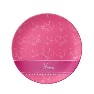 Carruagems de bebê brancas cor-de-rosa prato de porcelana