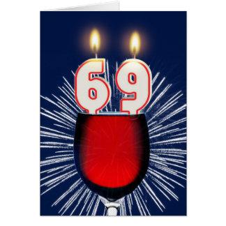 Cartão 69th Aniversário com vinho e velas