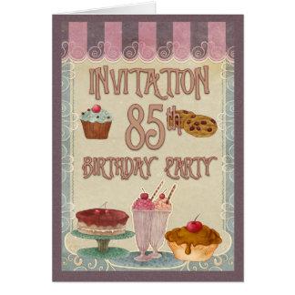 Cartão 85th festa de aniversário - bolos, biscoitos,