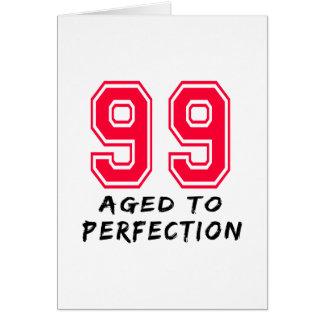 Cartão 99 envelheceu ao design do aniversário da