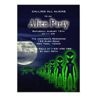 Cartão A alienígena legal super & o partido do UFO