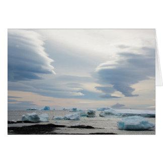 Cartão A Antártica. Blefe de Brown. Nuvens Lenticular