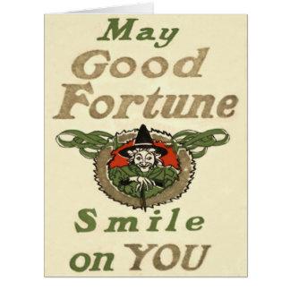 Cartão A bruxa pode sorriso da boa fortuna em você