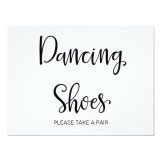 """Cartão A caligrafia simples   """"que dançam calça"""" o sinal"""