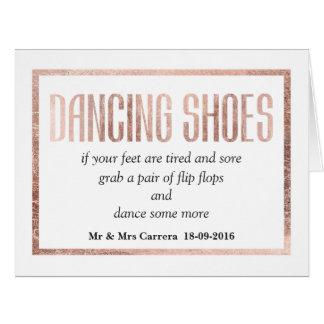 Cartão A dança cor-de-rosa do ouro do falso chique calça