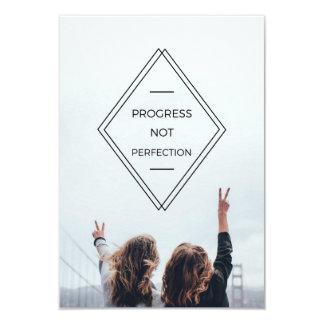 Cartão A divisa da perfeição do progresso não convida