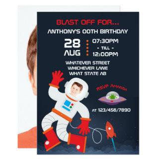 Cartão A festa de aniversário do espaço personalizada