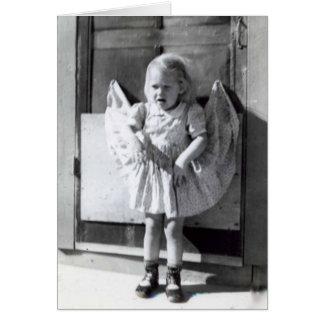Cartão A menina engraçada do vintage que pensa de você