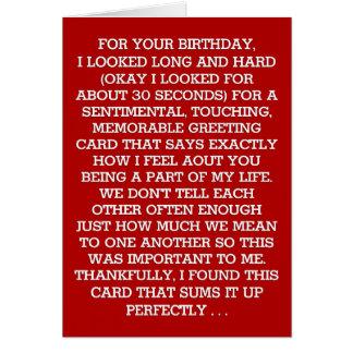 Cartão A mensagem sentimental final do aniversário