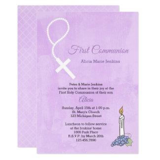 Cartão A miçanga do rosário, vela, primeiro comunhão do