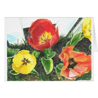 Cartão A opinião da abelha do mel as tulipas do primavera