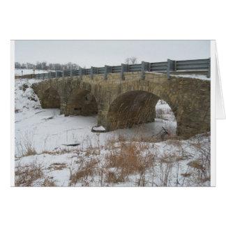 Cartão A ponte de pedra histórica de Ely