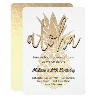 Cartão abacaxi do ouro da festa de aniversário do luau
