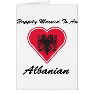 Cartão Albanês feliz casado