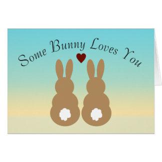 Cartão Algum coelho ama-o