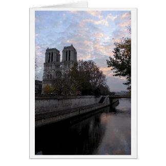 Cartão Amanhecer em Notre-Dame