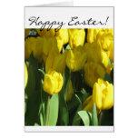 Cartão amarelo das tulipas do felz pascoa