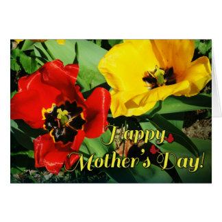 Cartão amarelo vermelho alegre do dia das mães das