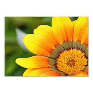 Cartão amarelos grandes da flor convite 12.7 x 17.78cm