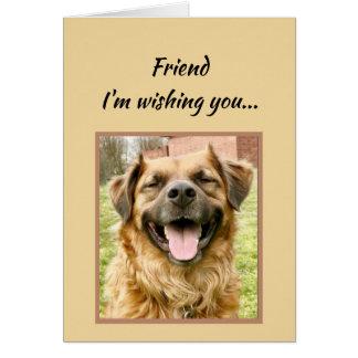 Cartão Amigo que deseja lhe o cão do feliz aniversario