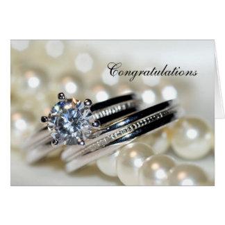 Cartão Anéis e pérolas brancas que Wedding parabéns