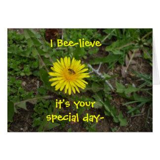 Cartão Aniversário da abelha para tudo