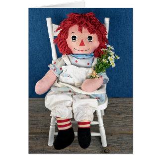 Cartão Aniversário da boneca e da margarida de pano