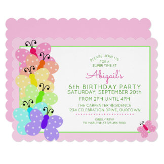 Cartão Aniversário da borboleta de Polkadot