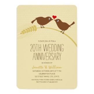 Cartão Aniversário de casamento dos pássaros bonitos do