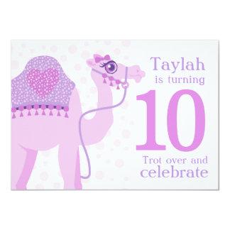 Cartão Aniversário do aniversário da equitação do camelo