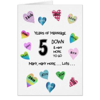 Cartão Aniversário dos corações felizes 5o