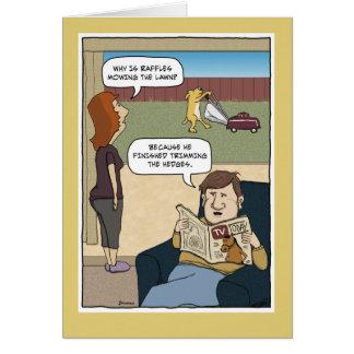 Cartão Aniversário engraçado: Gramado de sega do cão