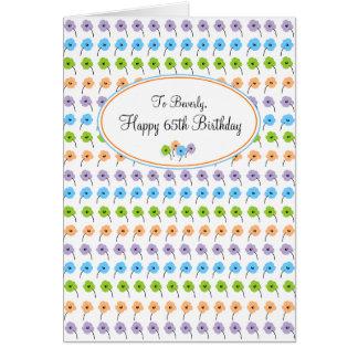 Cartão Aniversário feliz das flores minúsculas 65th