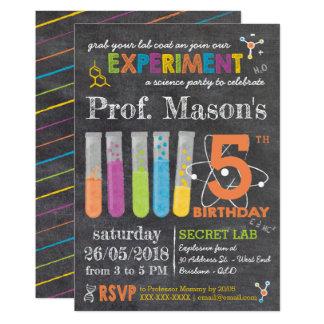 Cartão Aniversário louco do partido da ciência do quadro