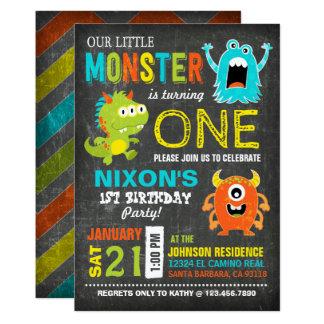 Cartão Aniversário pequeno assustador bonito dos monstro