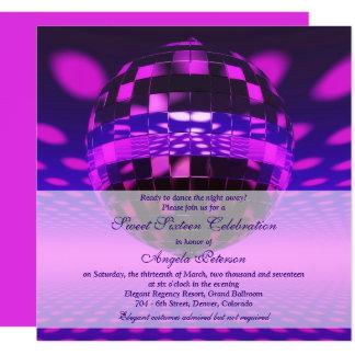 Cartão Aniversário roxo do doce 16 da bola do disco