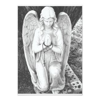 Cartão Anjo-da-guarda do ajoelhamento