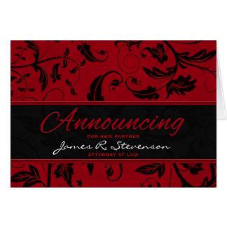 Cartão Anunciando o damasco do vermelho do sócio