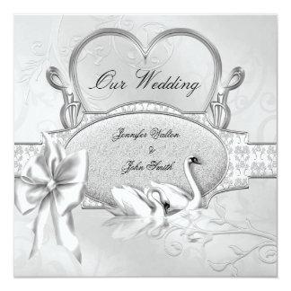 Cartão Arco branco do coração das cisnes da prata